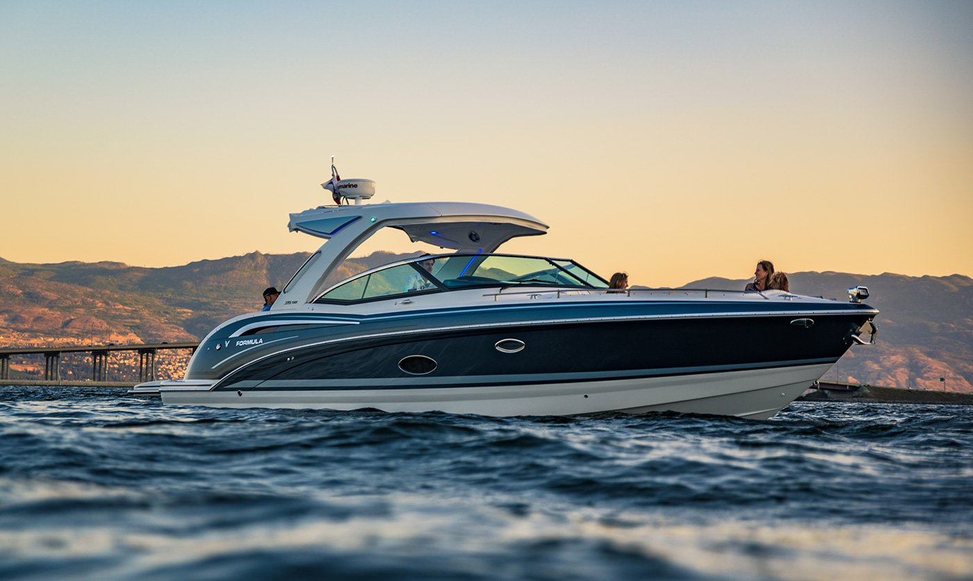 Formula 350 Crossover Bowrider sold in Kelowna BC by Flagship Marine