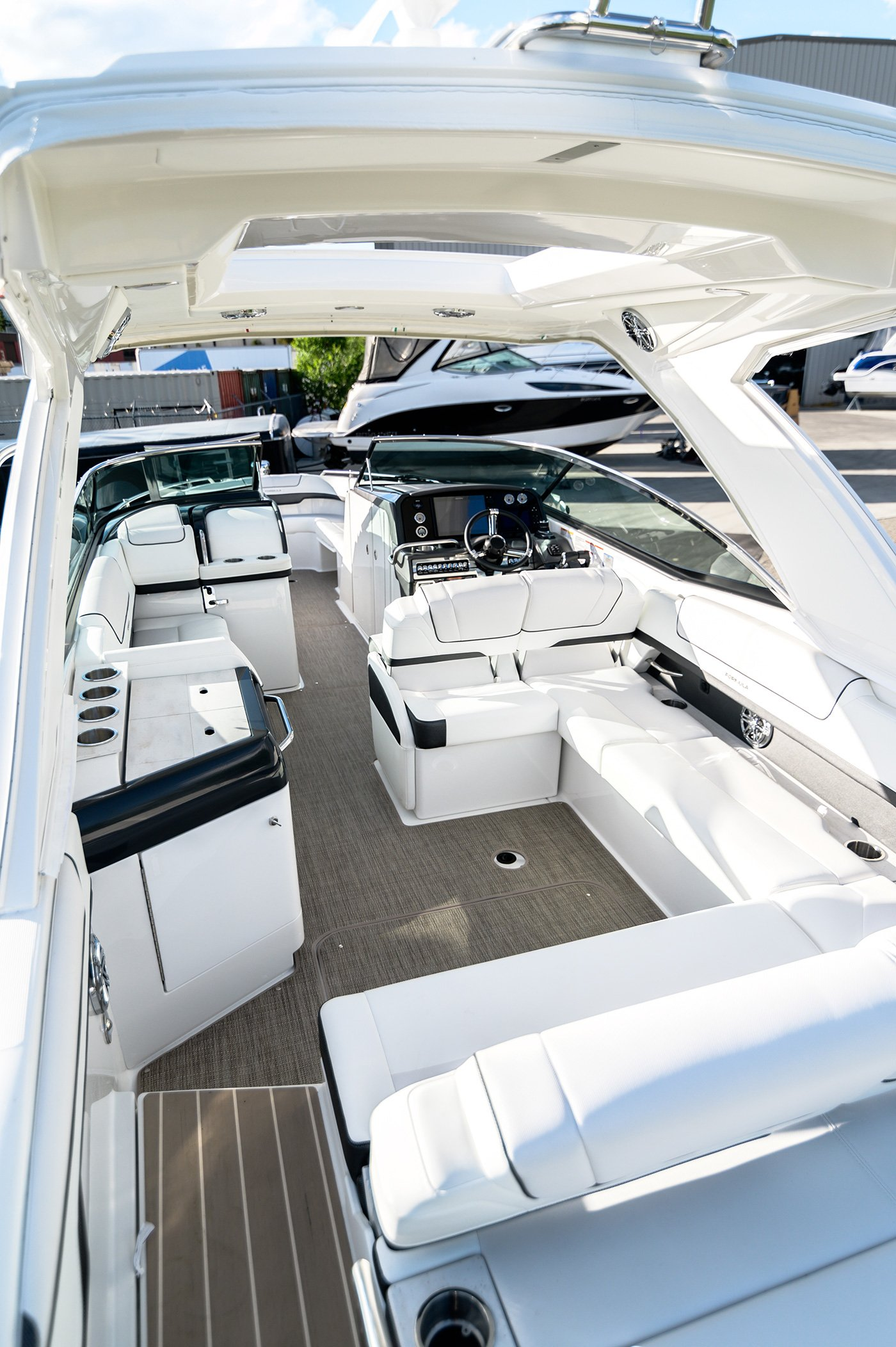At Flagship Marine, we take pride in offering exceptional customer service through expert boat service and repairs.